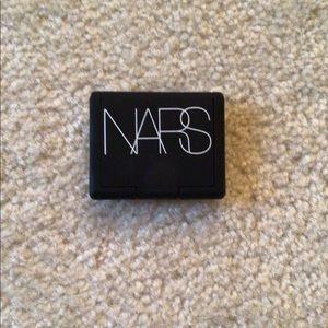 NARS Makeup - NEW NARS Mini Powder Blush in Orgasm